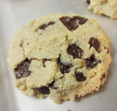 Low_Carb_Paleo_Chocolate_Chips_Cookies